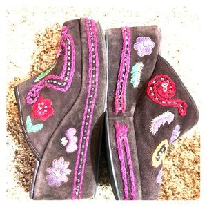 Cordani embroidered clog/mules.  Size 38